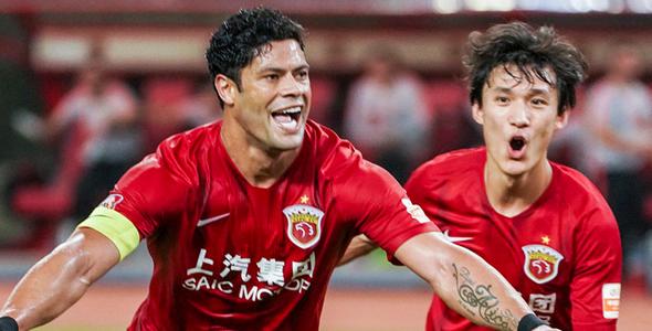 上海上港前锋胡尔克上场梅开二度。